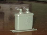 CBB48型交流金属化聚丙烯膜介质电容器实物图